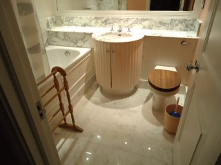 SW7-Bathroom